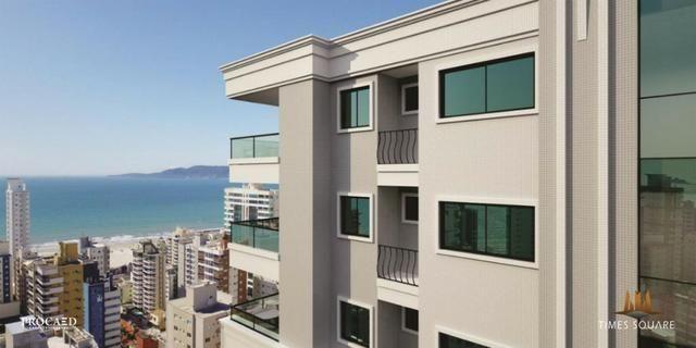 03 suítes de 135 m² privativos com 02 vagas em Meia Praia - Oportunidade de investir