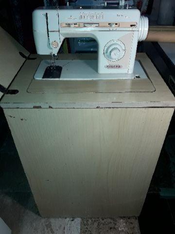 Máquina de costura Facilita Plus