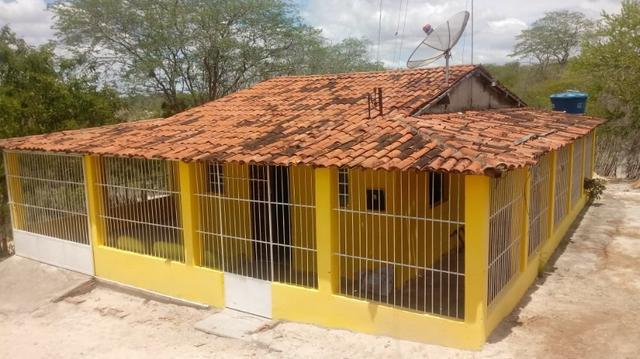 Ótima propriedade de 2.5 hectares, com casa sede, em Avencas de Cima-PE