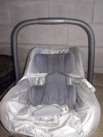 Bebê conforto cinza unissex