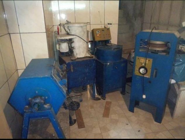 Vendese maquinario para fabricação de peças em zamak