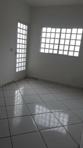 Linda Casa toda laje e garagem 02 carros, 02 quartos - Foto 6