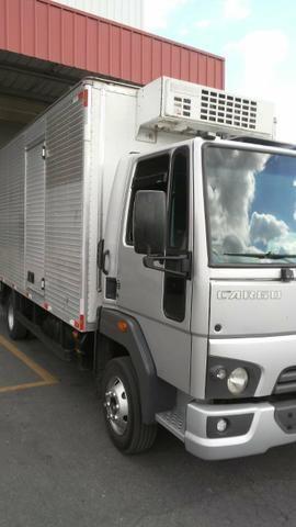 Vendo Ford cargo 816 S BAÚ - Foto 2
