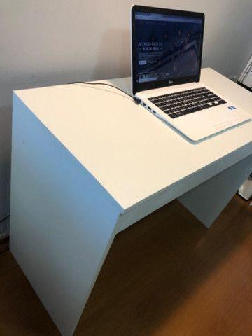 Escrivaninha com gaveta - Foto 5