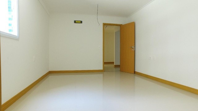 Apartamento com 300m², 4 suítes e sala para 3 ambientes a com vista para o mar de Jatiuca - Foto 9