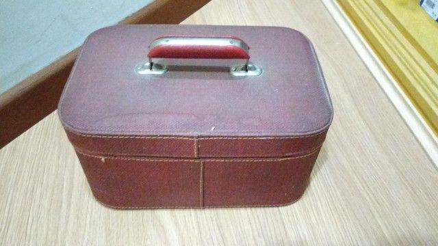 Frasqueira de couro anos 50 - Foto 6