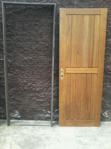 Vendo porta de madeira externa - Foto 2