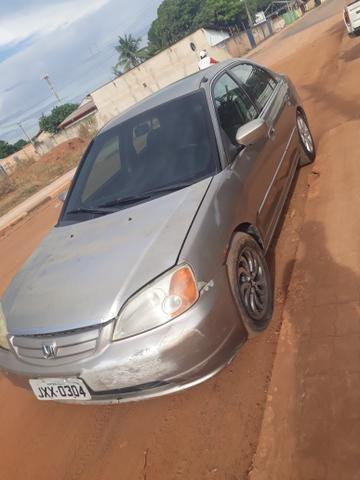 Honda Civic automático 2002 pra interior vendo ou troco - Foto 5
