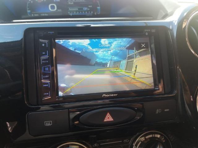 Aceito troca vendo Toyota Etios, 2017, prata, Automático, Kit Multimídia com Câmera de Ré - Foto 7