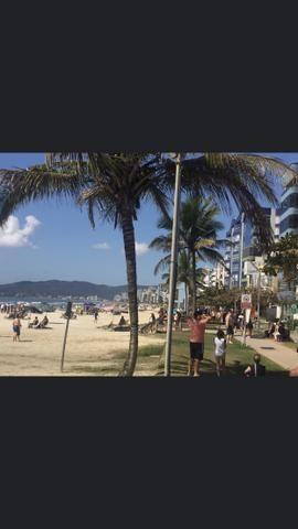 Apartamento Meia Praia com 3 suítes vista mar - Foto 19