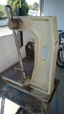 Prensa manual cremalheira 4 toneladas - Foto 3
