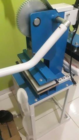 Máquina de fabricar e estampar chinelos - Foto 5