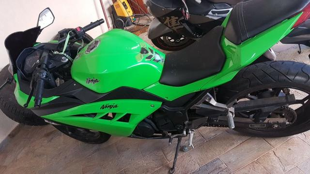 Ninja 300 2014 apenas 6.800 km em excelente estado nova! oferta única