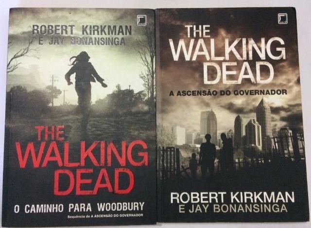 Dois livros The Walking Dead por 25 reais
