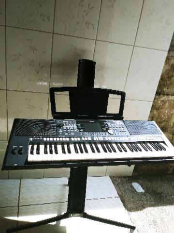 Yamaha psrS 950