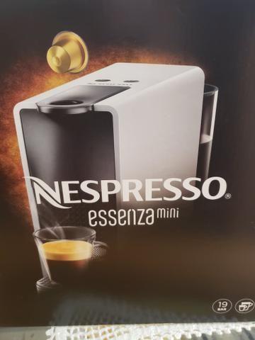 Cafeteira Nespresso Essenza - NOVA!!!