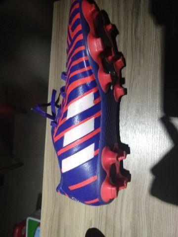 977d2c556b Chuteira Adidas Predito Instinct FG Campo