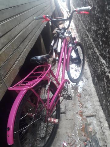 Vendo duas bicicletas uma para criança e a outra para adulto