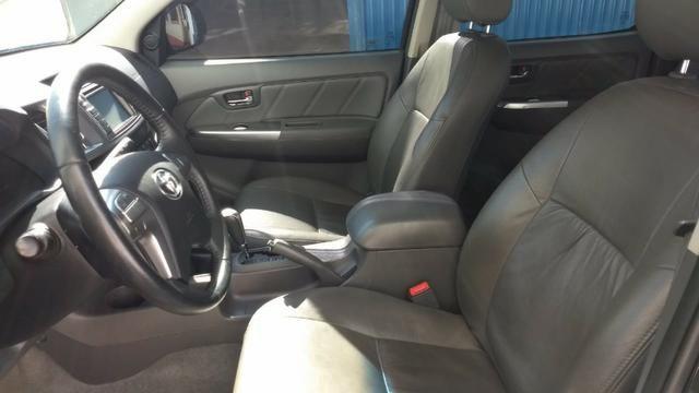 Toyota Hilux SRV 4x4 3.0 Diesel Aut - Foto 9