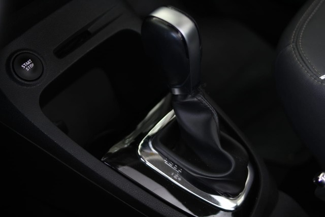 Renault Captur intense 1.6 Automática 13mil Km apenas  - Foto 16