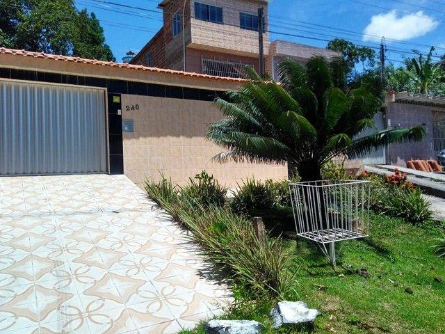 Casa c/ 330 m2 -3 quartos c/1 suíte-Escriturada-Barro