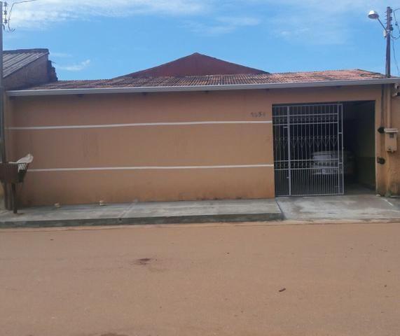 Vende-Se essa casa com 13 cômodos com 5 banheiros funcionando