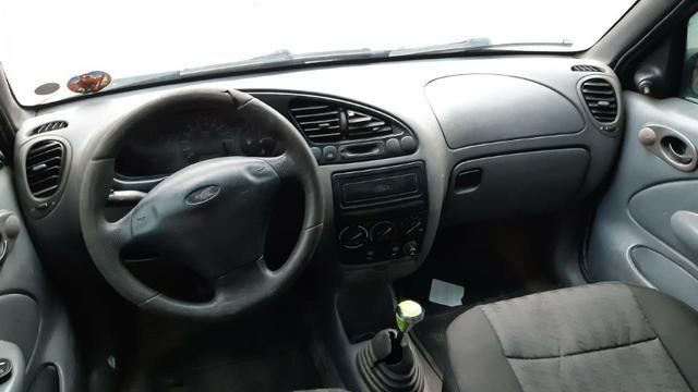 Fiesta GL Class 1.0 5P 2001 Verde - Foto 6
