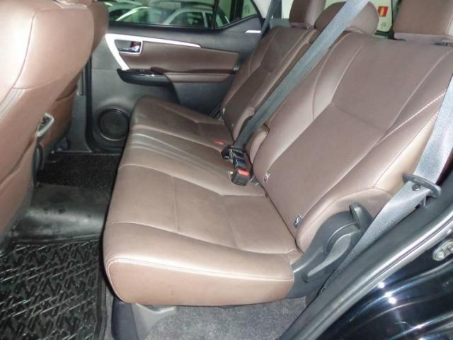 Toyota Hilux SW4 SW4 2.8 SRX AUT. 4X4 7 LUGARES - Foto 17