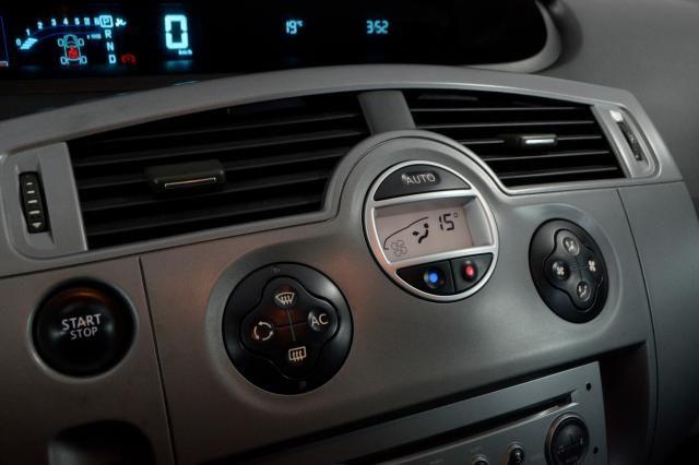 Renault Grand Scénic Grand Dynamique 2.0 16V 5p Aut. - Preto - 2009 - Foto 17