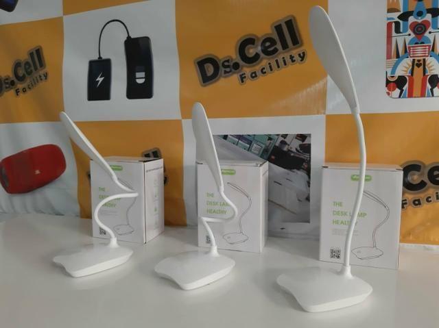 Luminaria de mesa em LED - Foto 5