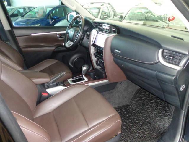 Toyota Hilux SW4 SW4 2.8 SRX AUT. 4X4 7 LUGARES - Foto 8