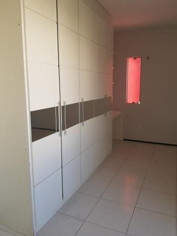 Casa duplexcom armários projetados, condomínio com apenas 8 casas