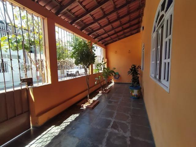 Casa linear 4 quartos, varanda, vaga e terraço no Bairro Republica