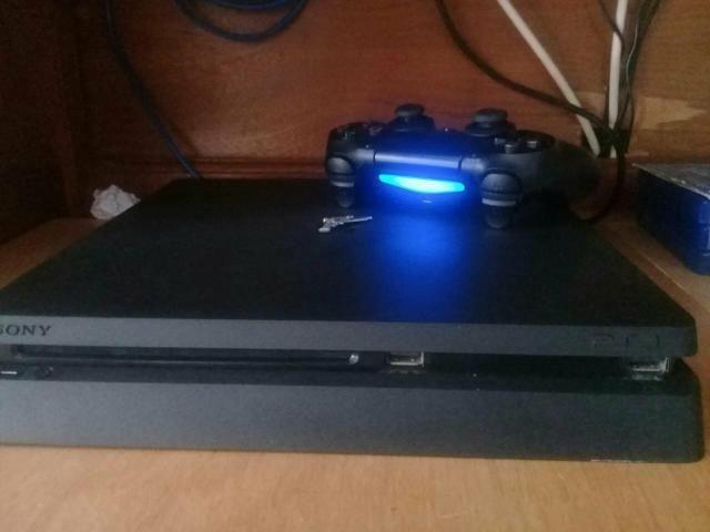 Playstation 4 1Tb Slim + 4 Jogos - Foto 2