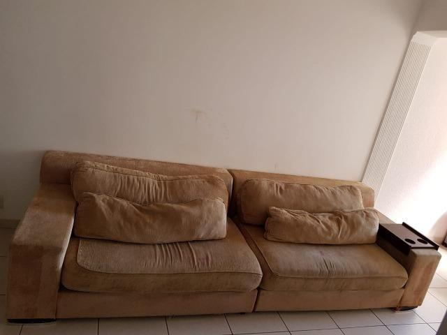 Sofá em tecido bege (usado)
