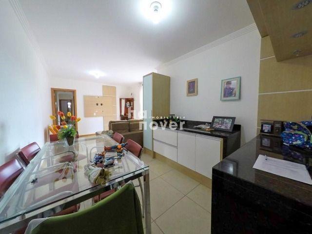 Apartamento à Venda 3 Dormitórios e 3 Vagas de Garagem - Bairro Dores