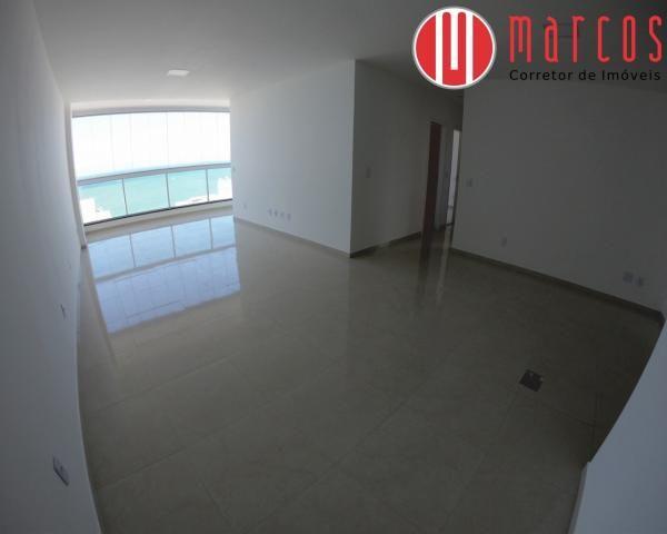 Apartamento para locação 3 quartos, amplo e novíssimo na Praia do Morro. - Foto 2