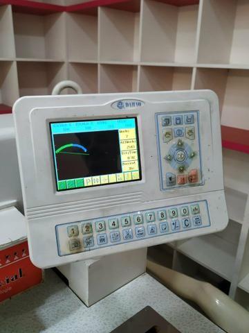 Vendo máquina de bordado Sun special - Foto 2