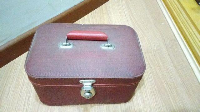 Frasqueira de couro anos 50 - Foto 2