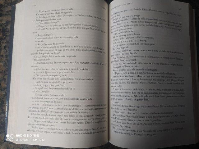 Livro cinquenta tons de cinza - Foto 3