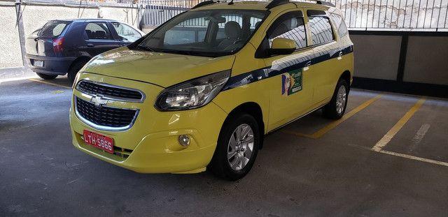 Táxi Spin 2014 carro + aut