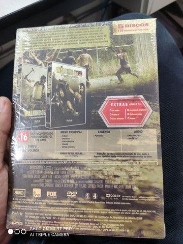 Box 4ª temporada the walking dead lacrado - Foto 3