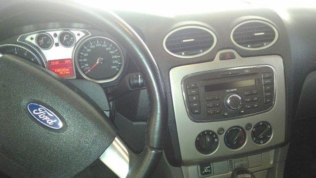 Ford Focus Sedan com kit GNV 5ª geração - Automático - Foto 11