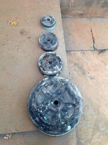 anilhas de concreto 50 reais - Foto 2