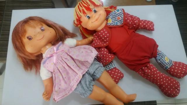 Bonecas antigas Moranguinho e Emília Colorama