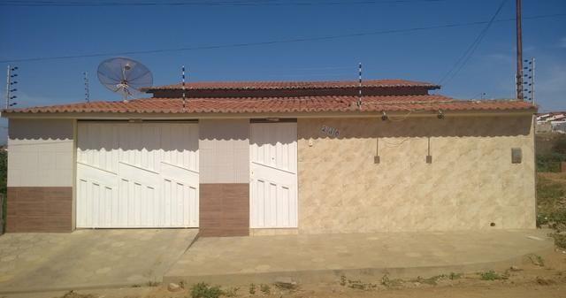 Alugo casa com piscina, em Araripina-PE Contatos: 88 98877.8467/ 87 98806.5650