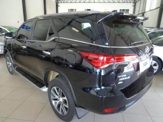 Toyota Hilux SW4 SW4 2.8 SRX AUT. 4X4 7 LUGARES - Foto 7
