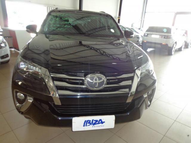 Toyota Hilux SW4 SW4 2.8 SRX AUT. 4X4 7 LUGARES