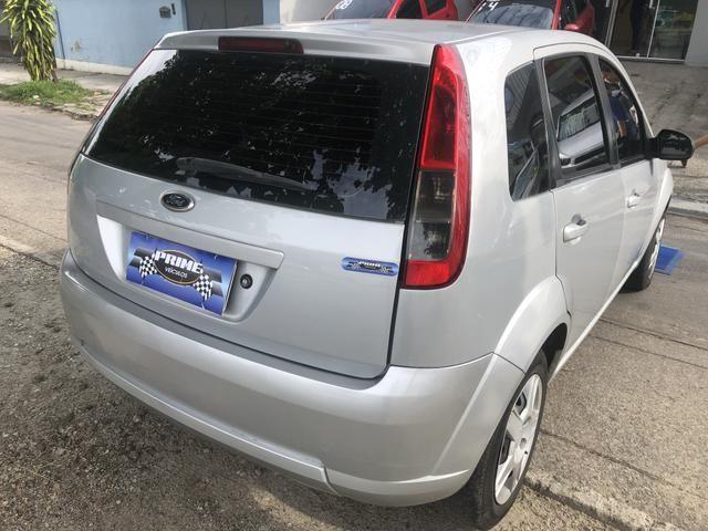 Fiesta hatch 1.0 Completo 2014 GNV - Foto 2