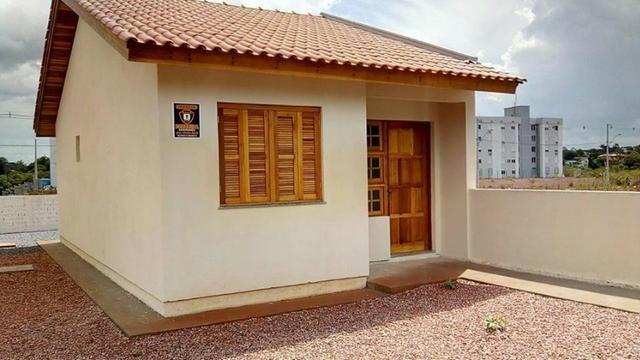 ATENÇÃO! Vendo Casas de 1 e 2 Dormitórios com Pátio Individual, Próximo ao ParkShopping